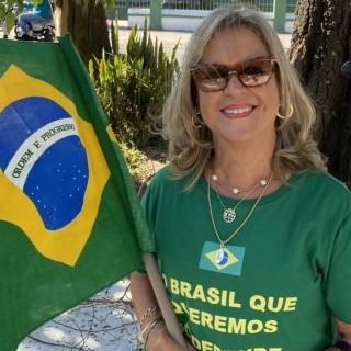 Lúcia Maria  Schlee dos Santos